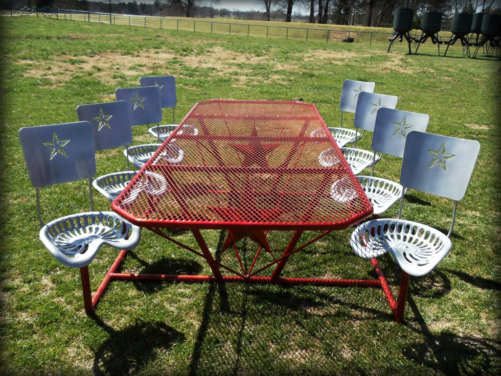Kickin Back Kreation 8-Seat Picnic Table