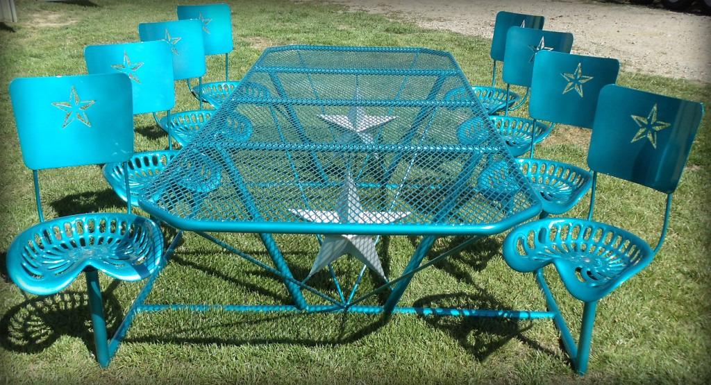 Kickin Back Kreations 8-Seat Picnic Table w/teal & stars